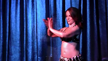 Erotic & Wet Belly Dance / Ass Shaking