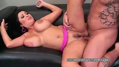 Mature slut Jaylene Rio is getting her Latina twat stuffed