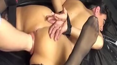 Beautiful mature beunette with a gorgeous ass gets her pussy deeply fisted!