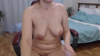 Natural Hairy Milf on webcam playing with herself.