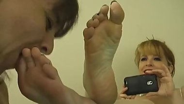 Who is she? SO SEXY FOOT WORSHIP