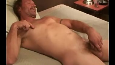 Mature Amateur Jerry Jacking Off