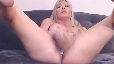 Mature blonde Tylene Buck with big boobs and creamy cunt