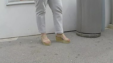 BEST 2018 SEXY TEEN MILF LEGS CROSSED TOES AMATEUR VOYEUR CANDID FEET 100