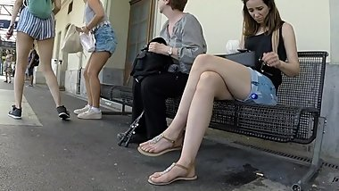 BEST 2018 SEXY TEEN MILF LEGS CROSSED TOES AMATEUR VOYEUR CANDID FEET 85