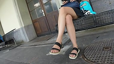 BEST 2018 SEXY TEEN MILF LEGS CROSSED TOES AMATEUR VOYEUR CANDID FEET 80