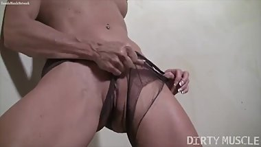 Mature Female Bodybuilder Rips Pantyhose Masturbates