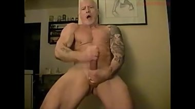 Muscle Daddy Webcam