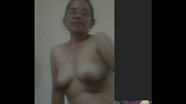 filipina mature lady fingering her pussy while i cum on cam on skype