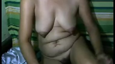 pretty filipina granny with big boobs and hairy pussy naked on cam