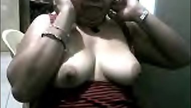 filipina grandma marivic showing me her nice boobs on cam on skype