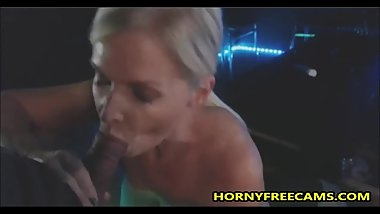 Suckin for Cum at the Glory Hole