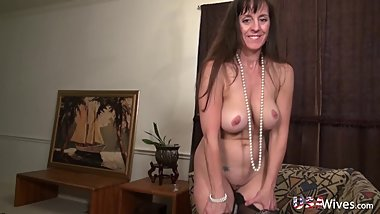 USAwives Horny Mature Lady Self Toy Masturbation
